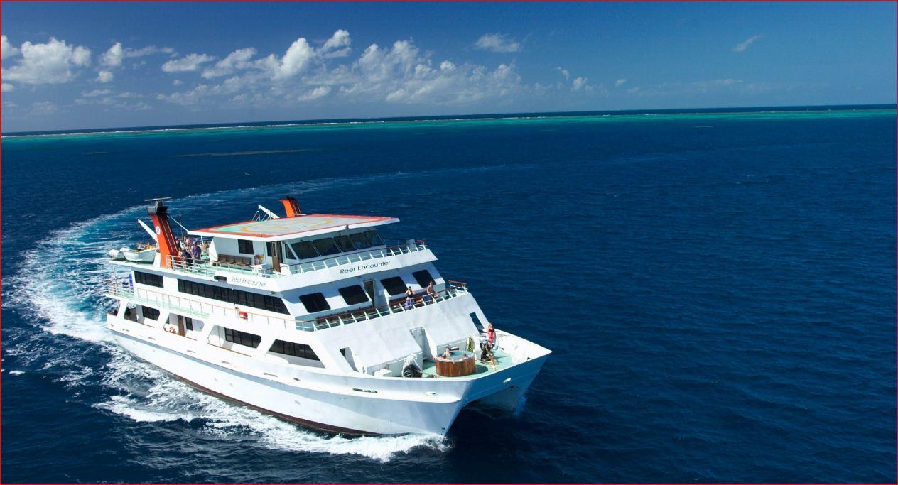 liveaboard reef trips