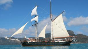 Sail Whitsundays