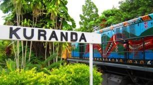 Cairns-Train-Skyrail